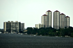 Fort Myers Gulf access condos